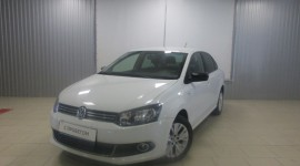 Volkswagen Polo Sedan 1.6 л (105 л.с.)